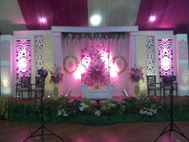 Purikedhaton creat memoriable your wedding sewa wedding art hiasang pelaminan di malang sewa pelaminan malang dan surabaya junglespirit Images